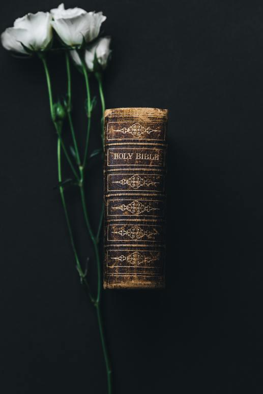 bible wedding flowers